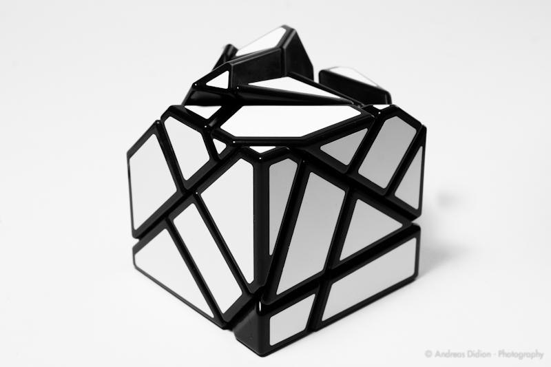[Bild: Mefferts-Ghost-Cube-by-http-sub60.plan3d.de-2.jpg]