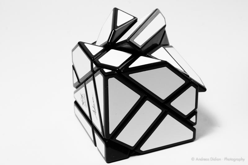 [Bild: Mefferts-Ghost-Cube-by-http-sub60.plan3d.de-3.jpg]