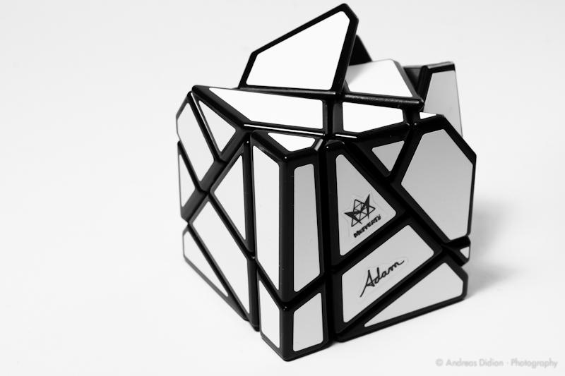 [Bild: Mefferts-Ghost-Cube-by-http-sub60.plan3d.de-4.jpg]